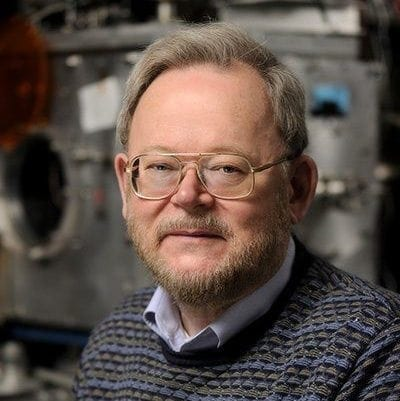 Kit Bowen Wins 2017 PHYS Award in Experimental Physical Chemistry